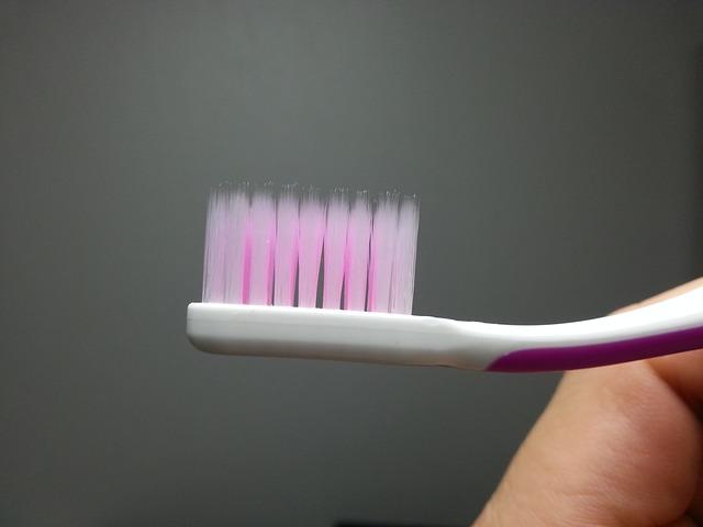 Zahnbürste gegen abstehende Härchen